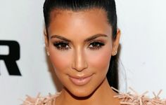 Vintage Allure: What Beauty Products Does Kim Kardashian Use? Create Her Signature Look
