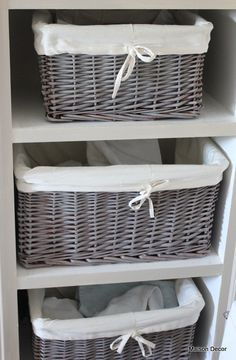 Give brown baskets a new fresh look by dry brushing with French Linen Chalk Paint™ for that Belgian look