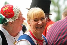 Folk costumes. The woman on the left is wearing Etelä-Pohjanmaa's dress, other woman's Karelian dress is from Sakkola-Rautu. http://koekeloeren.wordpress.com/2008/08/05/sivo-odoorn-4/