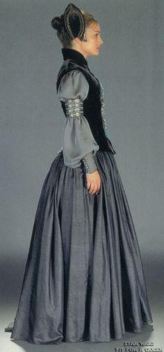 Star Wars Padme Amidala Packing Dress - Side view Star Wars Outfits c57ec5c74
