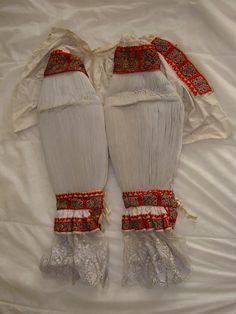 Dámské rukávce, Uherský Ostroh. Folk clothing from Uherský Ostroh (Czech Republic).