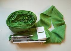 Tubular binding from an old cotton vest - Folytonos szegőpánt régi trikóból.