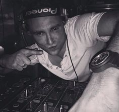 DJ Gil Everest is in the place in Verbier, Cheminée! And you, ready to party?