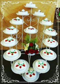 i am home aree u go na mai usko da duga book hardii kyu itna tension Big Wedding Cakes, Wedding Cake Stands, Diy Wedding, Quinceanera Planning, Quinceanera Cakes, Cement Flower Pots, Fantasy Cake, Sweet 16 Cakes, Cake Platter