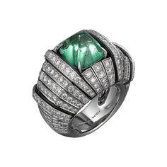 Anel Cartier inspiração africana anel de platina com esmeralda lapidação cabochão de 5,19 quilates, ônix e brilhantes