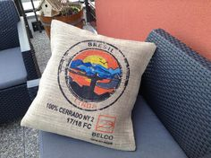 Burlap Tote, Html, Throw Pillows, Couture, Bar, Tote Bag, Outdoor, Coffee Bags, Hessian Fabric
