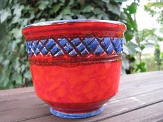 Italian Planter – 1970s 1960s – Vintage Pottery from Italy – red & blue – Mid Century Cache Pot von everglaze auf Etsy