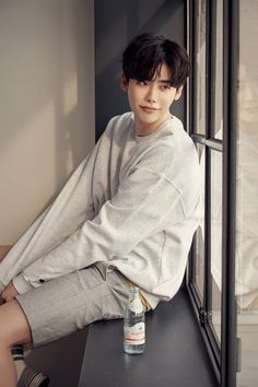 How can someone be so gorgeous Lee Joon, Asian Actors, Korean Actors, Korean Guys, Lee Jong Suk Wallpaper, Jun Matsumoto, Park Bogum, Kang Chul, Lee Jung Suk