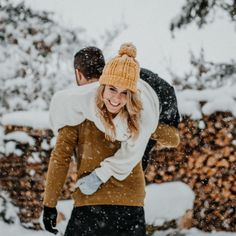 Puur Susan Fotografie (@puursusan) • Instagram-foto's en -video's Couple Photography, Engagement Photography, Photography Poses, Couple Portraits, Couple Posing, Couple Photos, Winter Hats, Winter Jackets, Black Forest