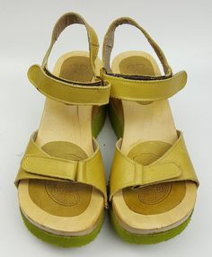 Attualita Italy shoes 37 EU 6.5 US spring green leather and chunky wood sandals #Attualita #PlatformsWedges #Casual