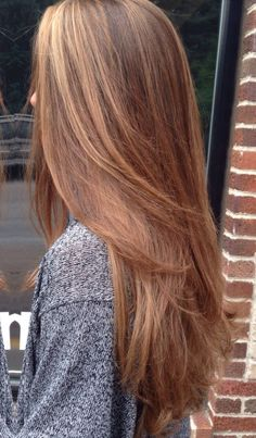 Ooo I like this color Haircuts For Wavy Hair, Haircut For Thick Hair, Straight Hairstyles, Orange Brown Hair, Light Golden Brown Hair, Hair Color Balayage, Hair Highlights, Pelo Color Caramelo, Very Long Hair