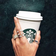 Coffee & Diamonds ☕ #goodmorning NYC! Whoever said less is more did not know #Meirat Shop link in bio>>> #moreismore #ringparty #butfirstcoffee #luxury #lux #jewelry #diamondring #starbucks