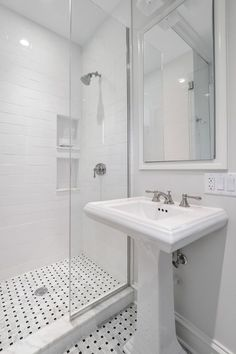 Traditional 3/4 Bathroom with Kohler-Forte 8 in. Widespread 2-Handle Low Arc Bathroom Faucet, three quarter bath, can lights
