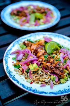 Lax Teriyaki Nudelsallad - 56kilo.se - Recept, inspiration och livets goda Healthy Recepies, Healthy Dessert Recipes, Vegetarian Recipes, Healthy Food, Asian Recipes, Ethnic Recipes, Swedish Recipes, Sugar And Spice, Fish And Seafood