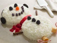 Pastel de Muñeco de Nieve - Dale al postre un toque divertido con esta receta.