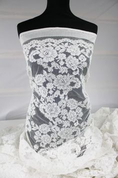 #lace #embroidery #bride #luxury #farbics #perls #sequence #handmade