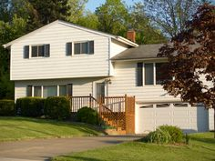 curb apeeal bilevel home | home landscaping: Landscaping Ideas For Split Level Homes