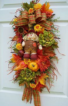 Fall - minus the scarecrow in the middle this is cute!