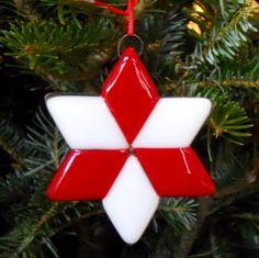 3 Inch Fused Glass Star Christmas Ornament - Red and White | ResetarGlassArt - Glass on ArtFire
