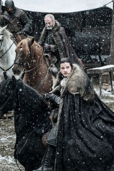 Kit Harington as Jon Snow and Liam Cunningham as Davos in Winterfell. Photo: HBO / Helen Sloan