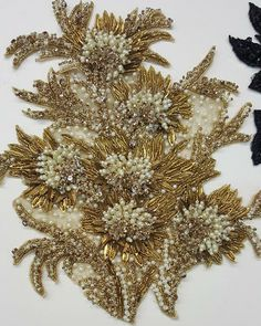 Golden and White Embroidery with Beads Crystal Embroidery, Zardozi Embroidery, Tambour Embroidery, Bead Embroidery Patterns, Couture Embroidery, Embroidery Fashion, Hand Embroidery Designs, Beaded Embroidery, Embroidery Stitches