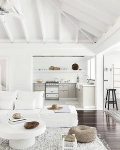 Awesome Idee Deco Chambre Theme Mer that you must know, You?re in good company if you?re looking for Idee Deco Chambre Theme Mer Interior Design Trends, White Interior Design, Home Interior, Interior Design Kitchen, Interior Decorating, White House Interior, Natural Interior, Interior Doors, Contemporary Interior