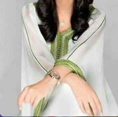 La princesse saoudienne Ameerah Al taweel sublimé par le Kaftan marocain Kaftan, Oriental Fashion, Indian Fashion, Womens Fashion, Estilo Abaya, Kebaya, Fashion Show, Indian Style, Kimonos