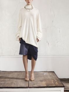 Here's a peek at 14 looks from the upcoming Maison Martin Margiela for H&M collaboration, a collection which launches next month. Six additional looks are still under wraps, but I think we. Helena Christensen, H&m Collaboration, Oversize Pullover, Jessica Parker, Look Girl, Inspiration Mode, Fashion Inspiration, Lookbook, Models