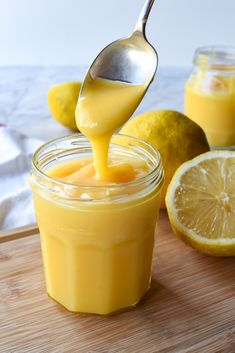 This Homemade Lemon Curd is tangy, thick and delicious. Use lemon curd to top scones, fill cakes and tarts or simply swirl through your morning yoghurt. Makes or 2 cups. Best Pastry Recipe, Best Scone Recipe, Pastry Recipes, Cooking Recipes, Lemon Recipes, Sweet Recipes, Lemon Dressing Recipes, Chia Pudding Vegan, Lemond Curd