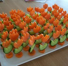 Decorating cold plates for Easter: 18 creative ideas - Healthy Food Art Food Art For Kids, Creative Food Art, Cold Dishes, Food Carving, Vegetable Carving, Food Garnishes, Snacks Für Party, Food Decoration, Food Platters
