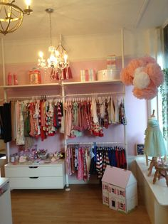 PINKS Children's Boutique SO198HH www.facebook.com/pinkpartyboxcompany www.thepinkpartyboxcompany.co.uk