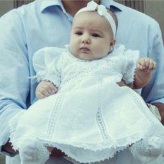 maisonbaby - Júlia linda, linda no dia do seu batizado com vestido de renda…