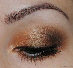 Makeup   maquillaje para ojos en tono anaranjado con dorados y color cobre