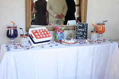 Who doesn't love a color coordinated candy bar?!?!