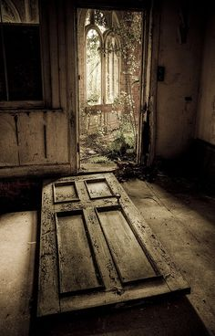 photo is very thought provocating. Peaceful and or creepy. Depends on the day. Beautiful I think, With God always present. Any door will open.