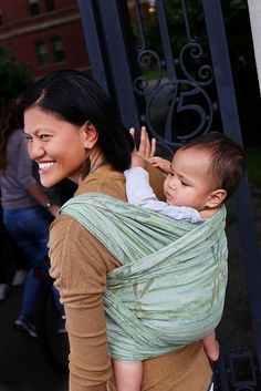 Video - Getting your baby on your back for back carries in a wrap: shoulder lift, hip scoot, and chair methods.