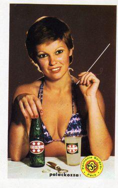 Pannónia Sörgyár - Pécs (GYÖNGY üdítő) - 1980 Pin Up Posters, Girl Posters, Vintage Ads, Vintage Posters, Retro Posters, Old Advertisements, Advertising, Pin Up Girl Vintage, Illustrations And Posters