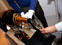 large-format bottle of 30 liter champagne. Champagne Drappier. VCANTER ® decanting cradle for large-format wine and champagne bottles. The VCANTER® is not just useful at those special occasions such as weddings, birthdays and special catering events. It is also indispensable in those restaurants, where fine and rare wines are served along with exquisite food.