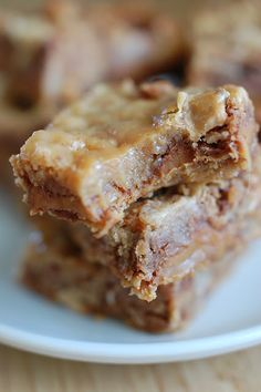 Caramel Toffee Bars- Grandmom cooks golden squares with a twist! Super escorted about this one!!