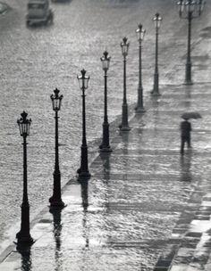 André Kertész Place Gambetta, Paris, 1928-29