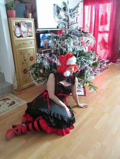 Otaku Family: Christmas Cosplay Cosplay, Family Christmas, Otaku, Home Decor, Photos, Interior Design, Home Interior Design, Home Decoration, Decoration Home