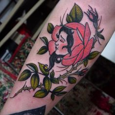 Thankyou for choosing this one Faye. I have some space on the 28th and 29th that I would like to fill, loads of designs to pick! #tattoo #traditionaltattoo #tattoosnob #uktta #realtattoos #tattooworkers #londontattoo #rosetattoo