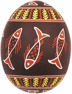 Pysanka decorated egg made by Ukranian artists Easter Egg Coloring Pages, Carved Eggs, Egg Tree, Easter Egg Designs, Ukrainian Easter Eggs, Egg Crafts, Egg Shape, Gourd Art, Egg Decorating
