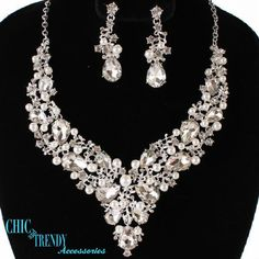 HIGH END CLEAR CHUNKY CRYSTAL & WHITE PEARL WEDDING FORMAL NECKLACE JEWELRY SET  #Unbranded