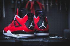#AirJordan 4 Red
