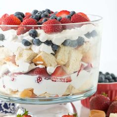 This No Bake Berry Shortcake Trifle is the BEST dessert recipe for summer! Hawaiian sweet rolls, amaretto, and fresh whipped cream with berries make this an easy and stunning dessert!
