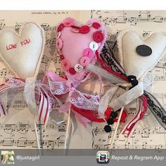 I LOVE these sweet felty lollies from @justagirl !! Wouldn't you love a whole bouquet?  Her caption: Repost from @justagirl using @RepostRegramApp - More Spark your Love & Home in the studio today...obsessed with felt & vintage buttons right now! Yes I ha