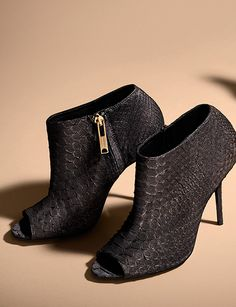~~Elegant Autumn/Winter 2013 ankle boots from Burberry~~ Love these they are stunning !!!!