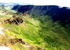 During the Ice Age, glaciers formed in the major stream channels on Steens Mountain. These glaciers dug trenches about one-half mile deep, through layers of hard basalt. The result was four immense U-shaped gorges – Kiger, Little Blitzen, Big Indian, and Wildhorse.