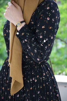 Islamic clothing for women : Islamic cloths – Hijab Fashion 2020 Modest Fashion Hijab, Modern Hijab Fashion, Hijab Fashion Inspiration, Muslim Women Fashion, Islamic Fashion, Foto Fashion, Fashion Art, Hijab Evening Dress, Hijab Dress